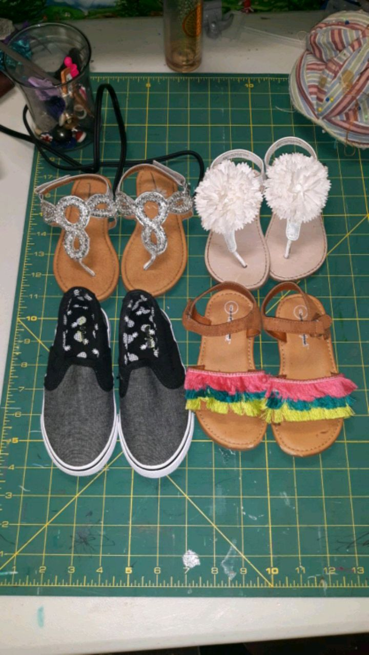 Photo TODDLER GIRL SHOES, SIZE 8