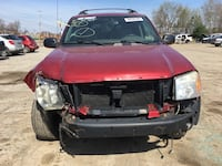 Parting out 2004 GMC Envoy XL 4x4 New Castle, 16101