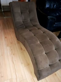 tufted brown suede sectional sofa Dunrobin, K0A 1T0