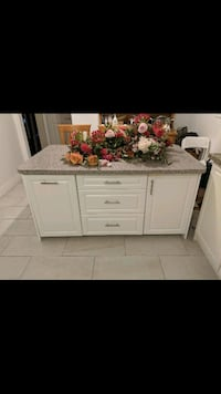 New Kitchen Island with Built-In Seating  Toronto, M3J