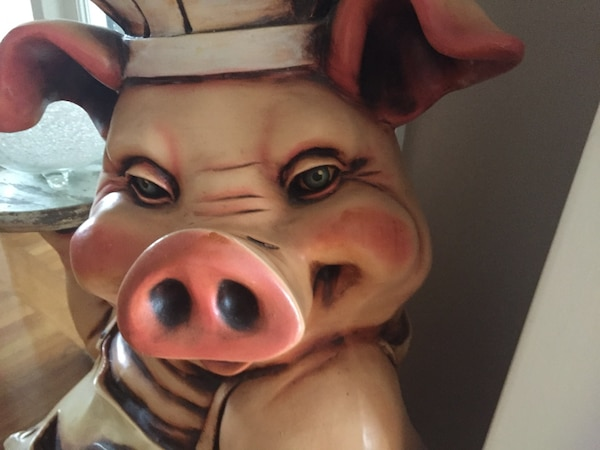 Resin chef pig statue. Stands 42 in and width is 16 in . Very detailed. We paid $850.00 asking$400.00 f92c0b0e-991a-4076-b363-409653c85605