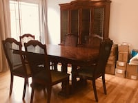 Dinning room table & hutch Montreal, H8P 2B2