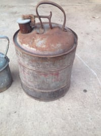 Old 1940s gas cans  Frederick, 21703