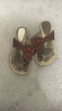 Women's brown t-strap sandals Silver Spring, 20906
