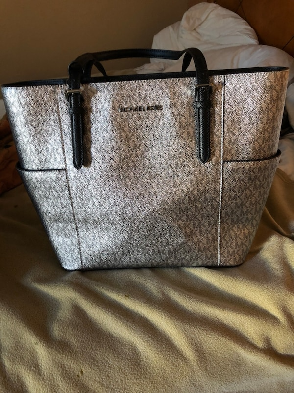 dbed4c0b8429 Used BRAND NEW MK PURSE ! for sale in Castro Valley - letgo