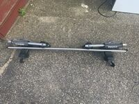 Roof rack with boat attachment. Thule Manchester, 03103