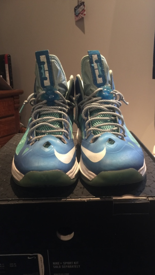 new concept 62270 b27e5 Used pair of blue nike lebron james sz 12 with box for sale in Hainesport