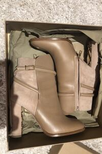 Burberry boots Teaneck, 07666