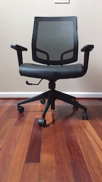 Office chair Falls Church, 22044