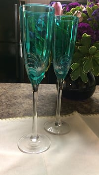 Neat teal champagne glass (2) Sioux Falls