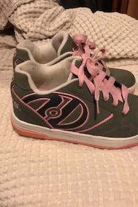 Heelys youth size 4 College Park, 20740