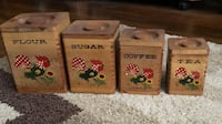 Wooden canister set with roosters and daisies antique EUC McKenzie, 38201
