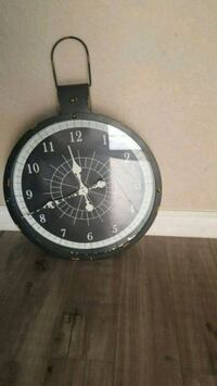 round black and white chronograph watch with black leather strap Perris, 92571