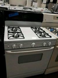 GE gas stove perfectly conditions 4months of warranty  Bowie, 20715