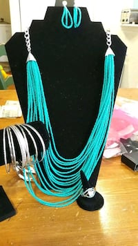 women's teal and black necklace The Plains, 20198