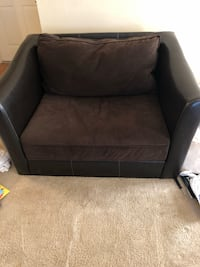Black leather padded sofa chair Gaithersburg, 20878