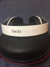 Studio beats by dr. dre (Wired) Edmonton, T5Y 1G1