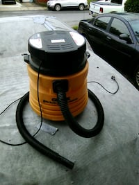 Wet/dry shop vac works great Brookhaven, 19015