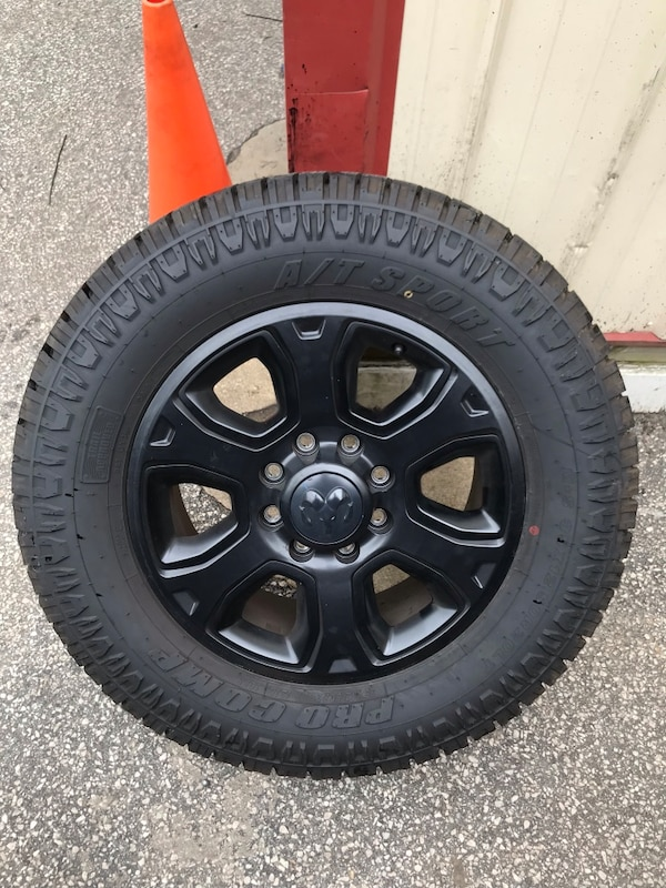 """4 Black Ram 2500/3500 wheels with 35"""" tires"""