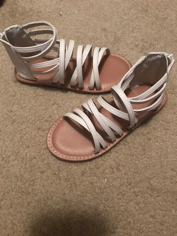 42d7134349ce Used Pair of white leather open-toe sandals for sale in San Antonio - letgo
