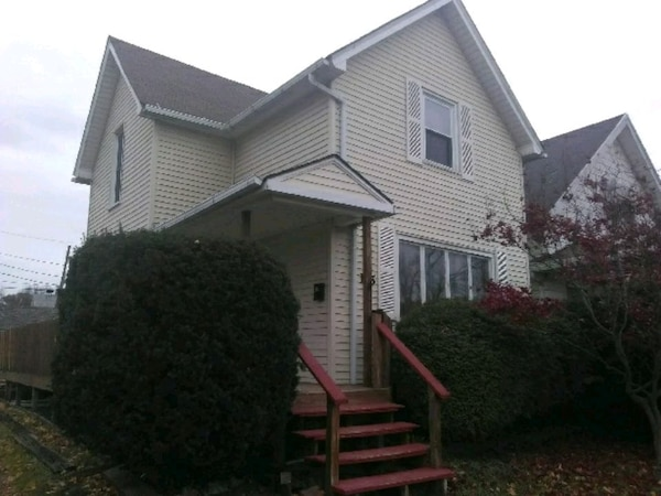 HOUSE For Sale 3BR 1BA PLEASE READ BEFORE MESSAGE