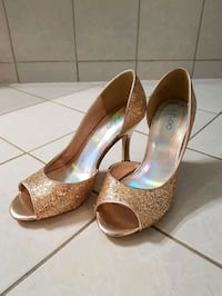 pair of brown leather peep toe platform pumps Mississauga, L5N 7L4