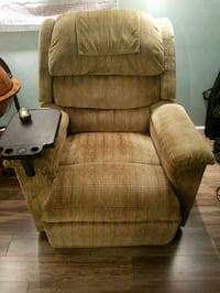 Power lift chair and recliner(excellent condition) Blooming Grove, 10914