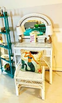 Adorable white wicker vanity and bench Bethesda