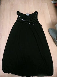 black sleeveless scoop neck dress Montreal, H3B