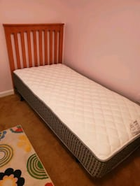white and black bed mattress Centreville, 20121