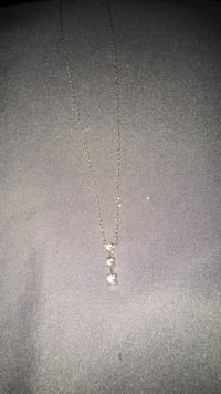 10 k white gold diamond necklace  Bensville, 20695