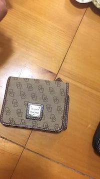Dooney and Bourke wallet Merced, 95341