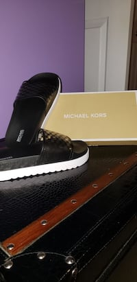 New Michael Kors Slides Waterloo, N2T 2Y7