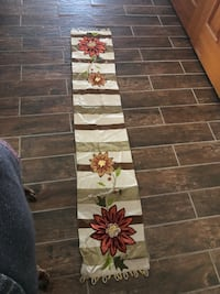 Table runner from pier one  Baltimore, 21219