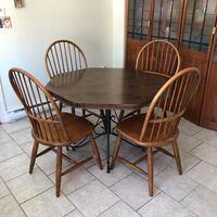 Kitchen set = FREE!  Moving so everything must go. Free upon pick up. Must come and take set and it's yours   North Babylon, 11703