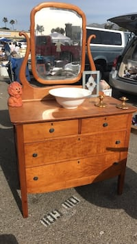 Vintage dresser with mirror  Santa Barbara, 93103