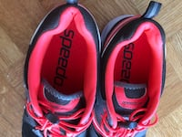 Speedo water shoes size 10 women's Mississauga, L4Y 3L4