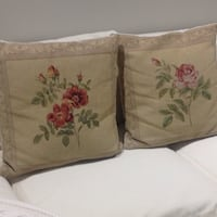 4 beautiful needlepoint pillows, throw cushions