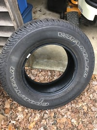 Goodyear Wrangler SRA p255-75-R17 (1 tire only) Brookfield, 06804