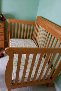 baby's brown wooden crib Annandale, 22003