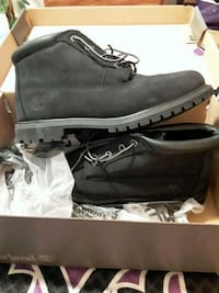 BLACK timberlands size 10 in women and  8 in  men