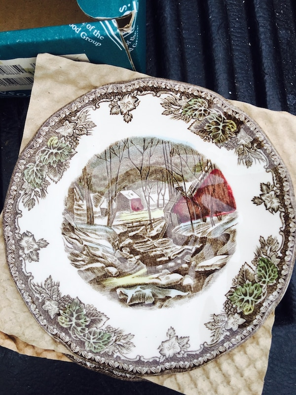 White, brown and black decorative plate