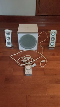 Z4 Logitech speaker system Kitchener, N2H 4R8