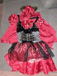 halloween costume size 6-8 girls Maple Ridge, V2X 7V3