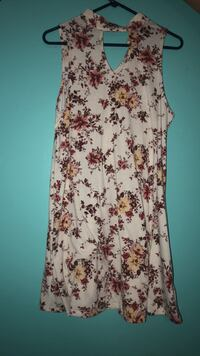 White and red floral sleeveless dress Warner Robins, 31093