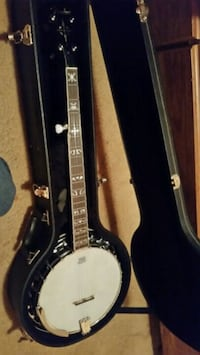 black and white acoustic guitar with case Morganton, 30560