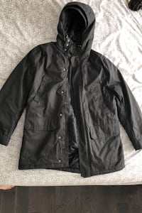 H&M winter jacket (never worn) (size LARGE) negotiable