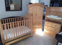 Beautiful 3 piece designer bellini nursery furniture set, with crib mattress, changing pad & covers