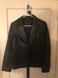 Woman's leather jacket size small  Randolph, 02368