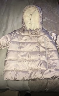 Gap jacket size 6-12 months excellent condition  Vancouver, V5S 1Y5